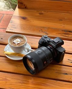 Sony Camera - Photography Tips You Have To Know About Camera Frame, Camera Shy, Sony Camera, Digital Camera, Photography Camera, Photography Tips, Camera With Flip Screen, Off Camera Flash, Lights Camera Action