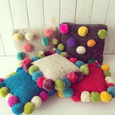 Almohadones de lana de oveja con pompones. Encontralos en www.quieronorte.com.ar Cushions, Pillows, Pillow Cases, Kids Rugs, Photography, Home Decor, Pom Poms, Planters, Bed Covers