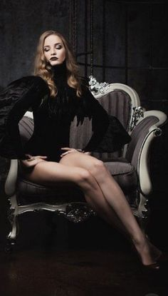 I ❤️ her sexy beautiful legs in high heels and shiny black stockings, and sexy jump suits. Hair Photography, Glamour Photography, Fashion Photography, Film Noir Photography, Lingerie Photography, Modeling Photography, Lifestyle Photography, Editorial Photography, Foto Glamour