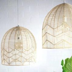 Add a Hamptons contemporary look to your kitchen, dining or living area with our Amalfi lace pendant light. Fast Shipping to anywhere in the world and excellent customer service.