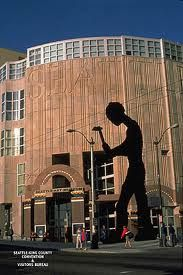 Seattle, WA --  Art Museum -- 1300 First Avenue  - SAW THIS -- THE HAMMERING MAN -- MAY 2012
