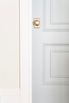 The Best Blue Gray Paint Colors - Life On Virginia Street. This gorgeous door is painted Benjamin Moore Boothbay Gray. Blue Gray Paint Colors, Door Paint Colors, Front Door Colors, Bedroom Paint Colors, Paint Colors For Home, House Colors, Neutral Paint, Front Doors, Bluish Gray Paint