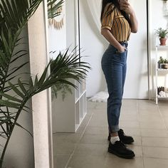 Find images and videos about girl, fashion and cute on We Heart It - the app to get lost in what you love. Mode Outfits, Korean Outfits, Retro Outfits, Grunge Outfits, School Outfits, Trendy Outfits, Vintage Outfits, Girl Outfits, Summer Outfits