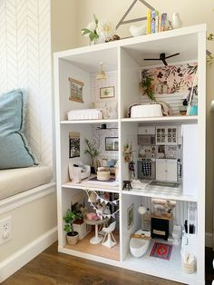 Diy Barbie Furniture, Diy Dolls House Furniture, Diy Furniture Plans Wood Projects, Miniature Dollhouse Furniture, Wooden Dollhouse, Art Furniture, Doll House Plans, Kids Doll House, Best Doll House