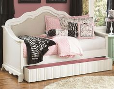 For Carleigh's room?!?!   Gabrielle Full Daybed with Trundle @Paula Clark