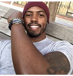 Black Bearded Men - You are in the right place about Accessories for black dress He - Cute Black Guys, Gorgeous Black Men, Black Boys, Beautiful Men, Black Man, Fine Black Men, Handsome Black Men, Fine Men, Black Men Beards