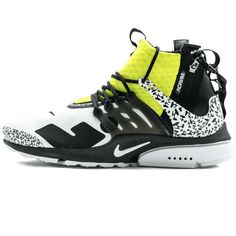 Painted in Nikes signature Volt hue, the ACRONYM x Nike Air Presto Mid Dynamic Yellow is, without a doubt, one of the hottest sneakers of The successor to highly coveted ACRONYM x Nike Air Presto Mid, this is a truly one-of-a-kind sneaker Air Presto, Black Silhouette, Zig Zag Pattern, Yellow Fashion, Nike Air Vapormax, Yellow Black, Perfect Fit, Air Jordans, Sneakers Nike