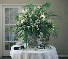 arreglos florales para bautizos dramaticos