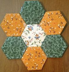 Hexagon Quilt Pattern, Lap Quilt Patterns, Applique Patterns, Stool Cover Crochet, Tutorial Patchwork, Foundation Paper Piecing, Fabric Ribbon, Mini Quilts, Hand Quilting