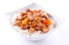 Курица в кисло-сладком ароматном соусе с ананасами и овощами станет настоящим праздничным ужином. Рецепт тут  http://www.spelo-zrelo.ru/bluda-iz-ptici/kurica-v-kislo-sladkom-souse/