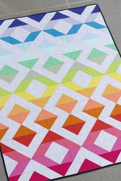 Guest Designer - Kirsty of Bonjour Quilts - Patchwork Posse Colorful Quilts, Small Quilts, Half Square Triangle Quilts, Square Quilt, Scrappy Quilts, Baby Quilts, Patchwork Quilting, Modern Quilting Designs, Patchwork Designs
