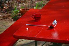 Sterntier: alte Gartengarnitur bekommt neuen Anstrich