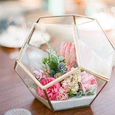 """Your day is about to get a lot more colorful. Pop over to 100LC today to see this """"cheery #midcentury"""" wedding. Design: @lavgreyevents 