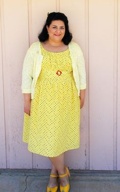 I'm still sharing my summer sewing…. Yes, I am stretching this out so far! I still have another dress left to photograph, plus 3 that are kind of UFO's. Doll Dress Patterns, Sewing Patterns Girls, Clothing Patterns, Shirt Patterns, Pattern Sewing, Wedding Dresses Plus Size, Plus Size Dresses, Plus Size Outfits, Plus Size Sewing