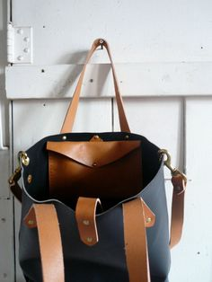 Leather tote #laidback