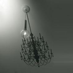 Surprenante, chic et design voici la suspension ghost (H110 cm) inspirée par Matteo Ugolini pour la maison d'édition Karman. <br><br> Loin d'être banale, la suspension ghost ne cesse d'étonner. A l'image d'un fantôme, la lampe se montre particulièrement mystérieuse... Cette ampoule suspendue, déploît une ombre de chandelier majestueuse sur le plafond et les murs qui l'entourent. Cette suspension composée de métal apporte beaucoup d'originalité et de charme à l'ensemble de la pièce. Prenant…