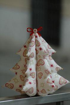 Árbol de Navidad de tela http://liliflori.cat/