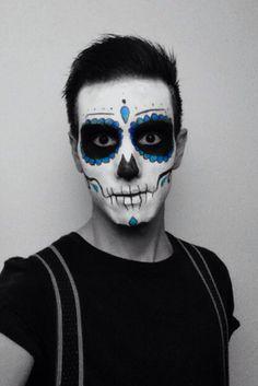 Halloween 2014. Mexican Skull costume Sugar Skull Face Paint, Sugar Skull Makeup, Cute Couple Halloween Costumes, Halloween Kostüm, Male Makeup, Scary Makeup, Day Of Dead Makeup, Helloween Make Up, Skull Makeup Tutorial