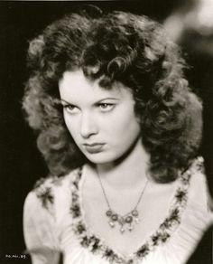 Maureen Ohara 1939--Ah, Hunchback of Notre Dame