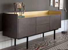 Luxury Furniture, Home Furniture, Furniture Design, Furniture Ideas, Sideboard Modern, Retro Sideboard, Buffet Design, Espace Design, Minimalist Dining Room