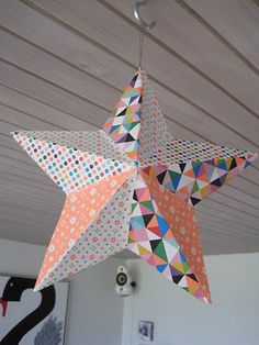 Star DIY, paper used Sara Andersen of Minimeg .נייר המשולשים מעניין