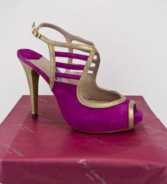 #zapatos #peeptoes #tacones #dorados #detalles #piel #ante #rosa #tiendaonline #madeinspain #madrid #mundo #SHIPPINGWORLDWIDE #ONLINESHOPPING #SHOES #STORE #ESHOP #HIGHHEELS #PLATFORMPUMPS #PEEPTOE jorgelarranaga.com