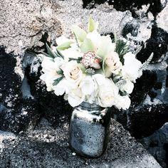 Today's bouquet #mokuaikauachurch #hawaiiwedding #hawaiibride #konawedding #bigislandwedding #bouquet #blissinbloom #daylightmindcoffee @daylightmindcoffee Bliss In Bloom #Hawaii #Weddings www.blissinbloom.com
