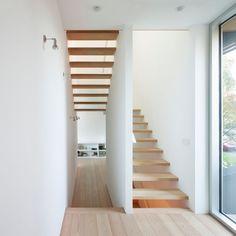 Splyce Design | L'escalier qui laisse passer la lumière