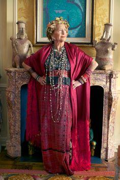 A Colorful Life Advanced Style Alice Moda Tribal, Stylish Older Women, Moda Hippie, Ageless Beauty, Advanced Style, Bohemian Mode, Boho Fashion, Womens Fashion, Old Women