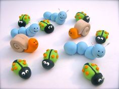 Edible Fondant assorted bugs and snails for cakes and cupcakes Fondant Icing, Chocolate Fondant, Fondant Toppers, Fondant Molds, Bug Cupcakes, Fondant Cupcakes, Cupcake Cakes, Mini Cakes, Fondant Figures