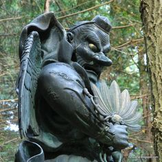 Tengu are of two physical types: karasu tengu 烏天狗 identified by a bird's head and beak; and konoha tengu 木の葉天狗 distinguished by a human physique but with wings and a long nose (also called yamabushi tengu). This type of tengu often carries a feather fan in one hand. Daiyūzan Saijō-ji Temple