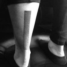 Línea difuminada | 50 tatuajes hechos con puntos que son realmente impresionantes