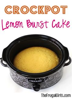 * trying this with brownie mix! -- Who said you can't enjoy a delicious piece of Cake straight from the Crockpot? That's right ~ this Crockpot Lemon Burst Cake is so delicious! What You'll Need: 1 box Betty Crocker Lemon Cake Mix {. Crock Pot Food, Crock Pot Desserts, Slow Cooker Desserts, Crockpot Dishes, Just Desserts, Slow Cooker Recipes, Crockpot Recipes, Delicious Desserts, Dessert Recipes