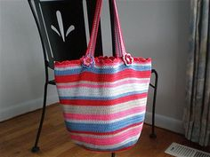 Lucy of Attic24's free Crochet Bag pattern. (photo source)