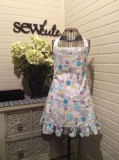 Kitchen themed fully lined adult apron with matching pot holders by Sewcutesewing1 on Etsy