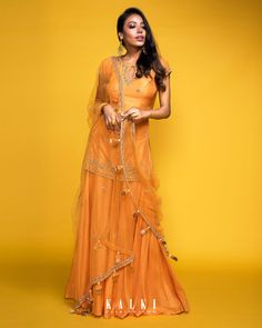 All the to-be-brides & newly weds can don this blazing palazzo ensemble which speaks the warm tone of sunset. Be it a work festive party or a family get together, this sun-orange outfit screams celebration. Indian Dresses, Indian Outfits, Indian Clothes, Indian Designer Outfits, Designer Dresses, Fancy Crop Top, Angrakha Style, Grey Gown, Creative Fashion Photography