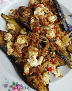 Ottolenghi - Owi Owi Fried Fried Eggplant with Fried Onions and Lemon . Yotam Ottolenghi, Ottolenghi Recipes, Vegetarian Sandwich Recipes, Veggie Recipes, Healthy Recipes, Chefs, Vegan Junk Food, Lebanese Recipes, Recipes