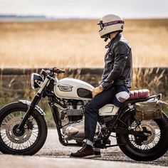 #Repost @downandoutcaferacers ・・・ One of the best photos of one of the triumphs we built great photo by @motorcycle_photo_guy