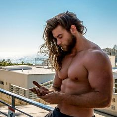 Axel - Brock O'Hurn (American Bodybuilder & Private Personal Trainer)