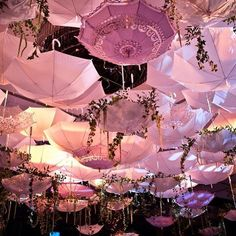 Bridal or Baby Shower - Decoration For Home Umbrella Decorations, Wedding Decorations, Pink Love, Pretty In Pink, Event Planning, Wedding Planning, Umbrella Art, Umbrella Street, Pink Umbrella