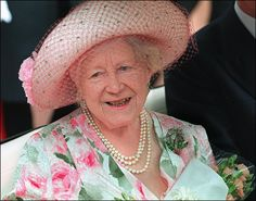 1997 Queen Elizabeth The Queen Mother Style Evolution: From Pearls To Pearls (PHOTOS)