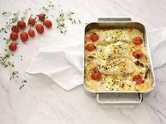 Torsk i ovn er noe av det enkleste du kan lage. Baked Cod Recipes, Seafood Recipes, Dinner Recipes, Cooking Recipes, Norway Food, Norwegian Food, Scandinavian Food