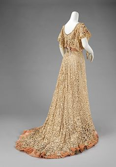 Charles Klein, Irish-crochet evening dress, French, early 1900s. Back view showing train. Met Museum.