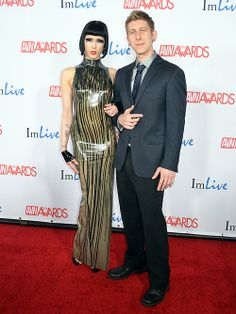 Asphyxia Noir and Danny Wylde - Photo credit: Stephen Thorburn http://lasvegasroundtheclock.com/images/stories/Burt-Davis/01-20-14-AVN/Asphyxia_Noir_Danny_Wylde_AVN_Awards_Show_2014_The_Joint_Hard_Rock_H...