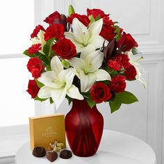 Popularity of Flowers and Chocolates When going for these two combo gifts, using high quality fresh chocolates is a good idea. Many prefer this because the quality of both is high when presented to dear ones.