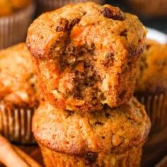 Soft & Moist Carrot Muffins (Nutritious & Filling!) - Spend With Pennies Carrot Muffins Easy, Banana Blueberry Muffins, Homemade Muffins, Banana Chocolate Chip Muffins, Healthy Muffins, Healthy Foods, Healthy Recipes, Fruit Recipes, Muffin Recipes