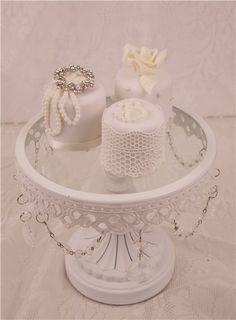Showstopping miniature elegance mini cakes