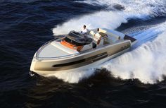 Invictus Yacht presenta su nuevo modelo 370 GT