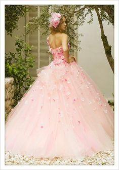カラードレス | 桂由美フランチャイズ ブライダルハウス仙台 Pretty Quinceanera Dresses, Colored Wedding Dresses, Dream Wedding Dresses, Pretty Dresses, Bridal Dresses, Girls Dresses, Beautiful Costumes, Beautiful Gowns, Fantasy Gowns