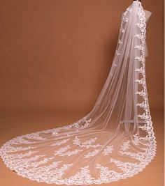 Cathedral Tulle Lace Wedding Veils Bridal Veils - Thumbnail 3